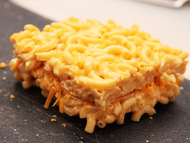 mac and cheese waffles